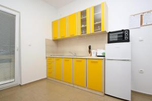 Apartments Jasmina, Apartmány  Novalja - big - 25