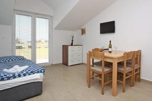 Apartments Jasmina, Apartmány  Novalja - big - 12