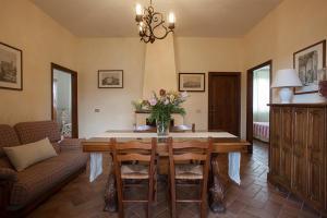 Quercia Al Poggio, Фермерские дома  Барберино-Валь-д'Эльса - big - 42