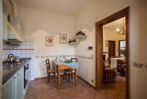 Quercia Al Poggio, Фермерские дома  Барберино-Валь-д'Эльса - big - 43