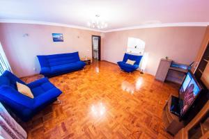 Home Apartments on prospekte Octabrya