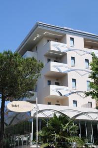 Hotel Caribia Pinarella - AbcAlberghi.com