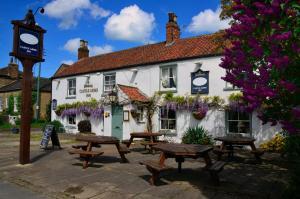 The Castle Arms Inn