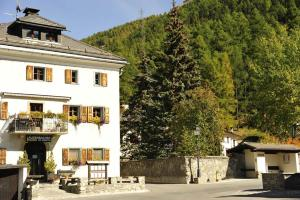Chesa Staila Hotel - B&B, Bed & Breakfasts  La Punt-Chamues-ch - big - 90