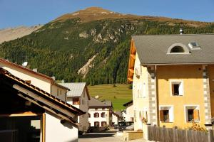 Chesa Staila Hotel - B&B, Bed & Breakfasts  La Punt-Chamues-ch - big - 91