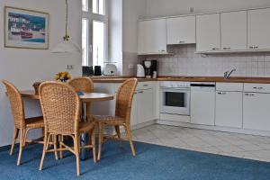 Haus Seeblick Hotel Garni & Ferienwohnungen, Hotely  Zinnowitz - big - 11