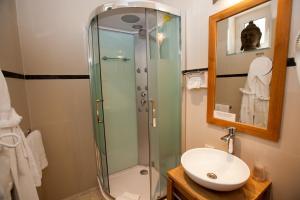 Paris Rome, Hotels  Menton - big - 13