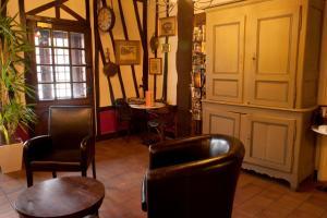 Hostellerie de la Vieille Ferme, Отели  Криэль-сюр-Мер - big - 50