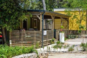 Campsite Sunny Home Soline, Комплексы для отдыха с коттеджами/бунгало  Биоград-на-Мору - big - 28
