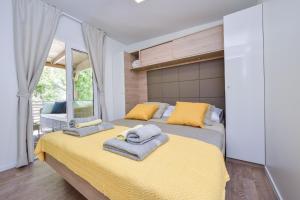 Campsite Sunny Home Soline, Комплексы для отдыха с коттеджами/бунгало  Биоград-на-Мору - big - 37