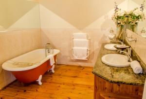 Suite - Deluxe Double Room with Garden View