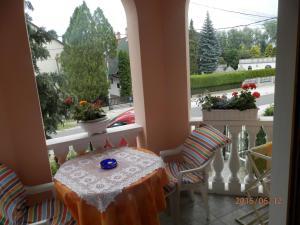 Ilona Kis Kastély Panzió, Guest houses  Keszthely - big - 27