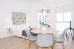 Malaga Center Holidays Cister, Apartmány  Málaga - big - 2