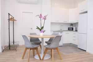 Malaga Center Holidays Cister, Apartmány  Málaga - big - 13