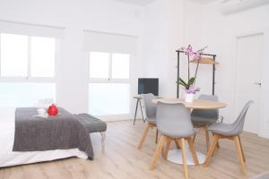 Malaga Center Holidays Cister, Apartmány  Málaga - big - 10