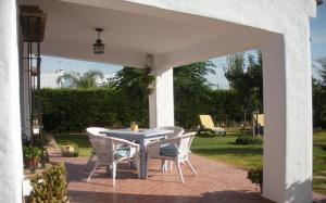 House in Conil de la Frontera 100451, Дома для отпуска  Конил-де-ла-Фронтера - big - 1