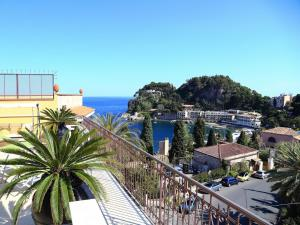 Panoramic Apartments Taormina Mazzarò, Apartmanok  Taormina - big - 10