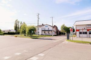 Auberge Lac-Saint-Jean, Мини-гостиницы  Roberval - big - 7