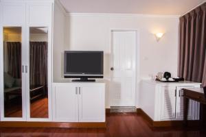 Deluxe Room Lower Floor