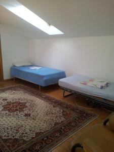 Casa la Bunica, Penzióny  Domneşti - big - 16