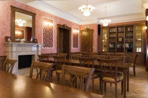 Hotel Zamek Berchtold, Hotely  Strančice - big - 73