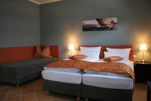 Apartmenthaus Unterwegs, Guest houses  Rostock - big - 18