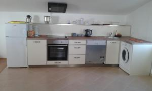 Vila Skocidjevojka, Apartmanok  Petrovac na Moru - big - 71