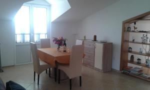 Vila Skocidjevojka, Apartmanok  Petrovac na Moru - big - 79