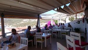 Courtyard, Hotel  Kalkan - big - 57