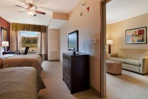 Suite with Two Queen Beds and Roll-In Shower - Mobility/Hearing Access