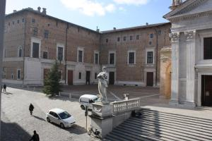Il Cortegiano, Bed & Breakfasts  Urbino - big - 9