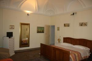 Il Cortegiano, Bed & Breakfasts  Urbino - big - 5