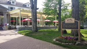 Hotel Dallavalle, Hotels  Niagara on the Lake - big - 25