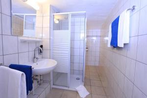 Dobbeltværelse med fælles badeværelse