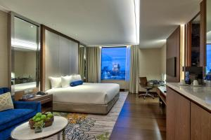 Junior Suite with Executive Lounge