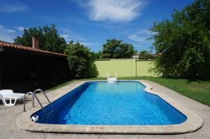 Angelinas Villa with Private Pool, Ferienwohnungen  Bozhurets - big - 55