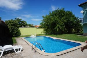 Angelinas Villa with Private Pool, Ferienwohnungen  Bozhurets - big - 57