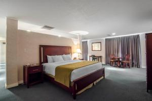 Quality Inn Whitecourt, Szállodák  Whitecourt - big - 41
