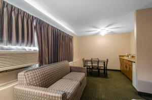 Quality Inn Whitecourt, Szállodák  Whitecourt - big - 46