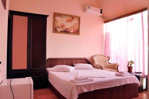 Hotel Plus, Hotels  Tbilisi City - big - 24