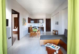 Sun Nicolas, Apartmanhotelek  Káto Daráco - big - 9
