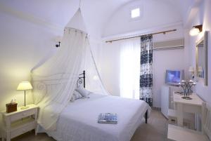 Отель Matina (Камари)