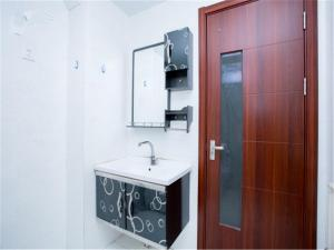 Qingdao Golden Beach Sihaiju Seaview Apartment Diwei Garden Branch, Apartments  Huangdao - big - 16