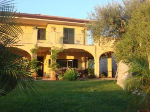 Sea View Villa Taormina - AbcAlberghi.com