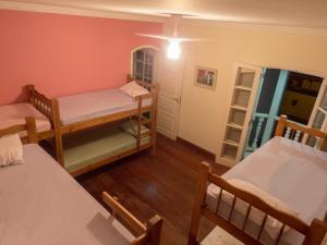 Cama en habitación mixta compartida de 8 camas