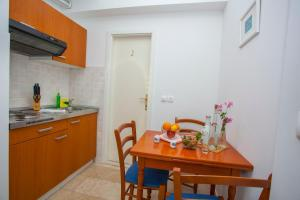 Apartments Ankora, Apartmány  Tučepi - big - 134