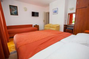 Apartments Ankora, Apartmány  Tučepi - big - 38
