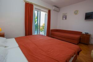 Apartments Ankora, Apartmány  Tučepi - big - 51