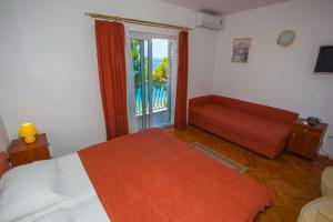Apartments Ankora, Apartmány  Tučepi - big - 54