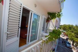 Apartments Ankora, Apartmány  Tučepi - big - 71